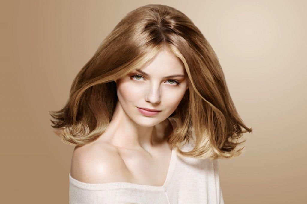 color nude para el cabello