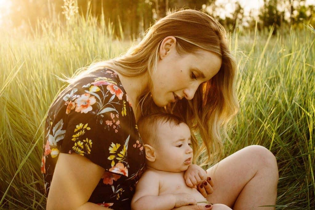 conoce las habilidades de la mujer como madre