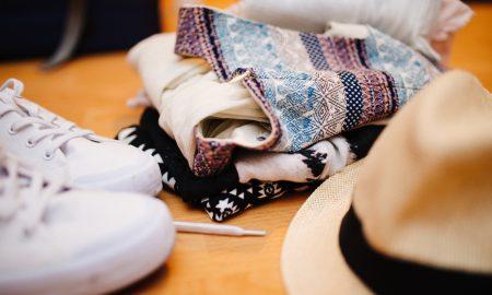 Consejos sobre la ropa para viajar en verano