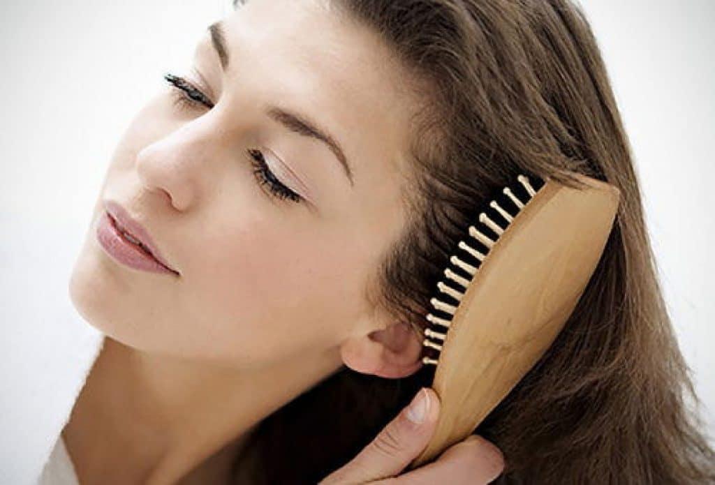 cómo prevenir la alopecia y las puntas abiertas
