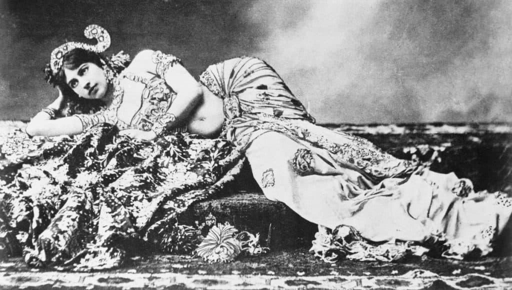 Mata Hari bailarina y cortesana