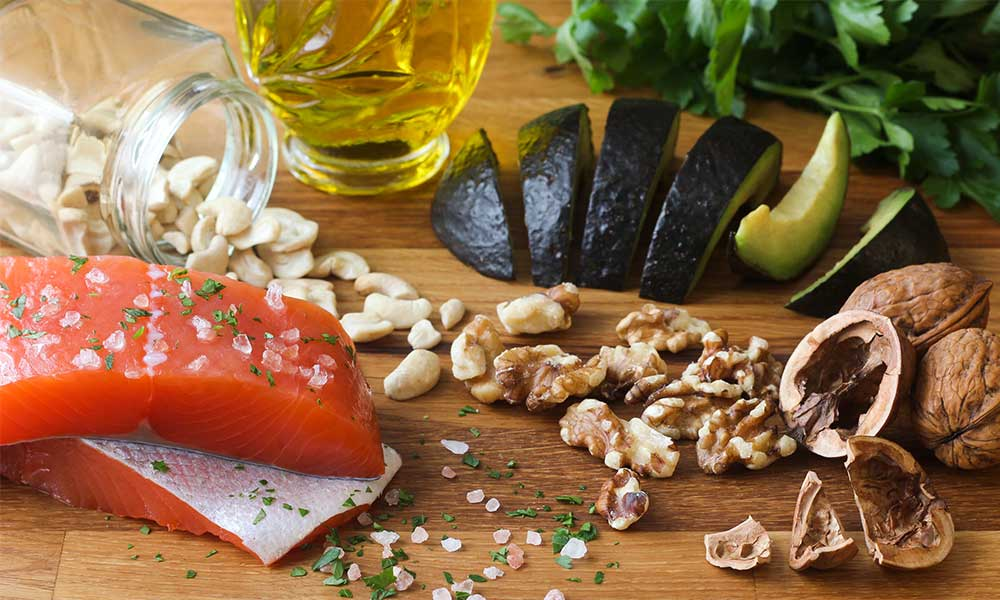 10 alimentos ricos en grasas saludables que te ayudan a adelgazar