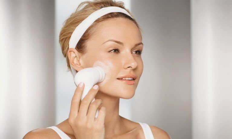 Cepillo facial: conoces beneficios usarlo a diario