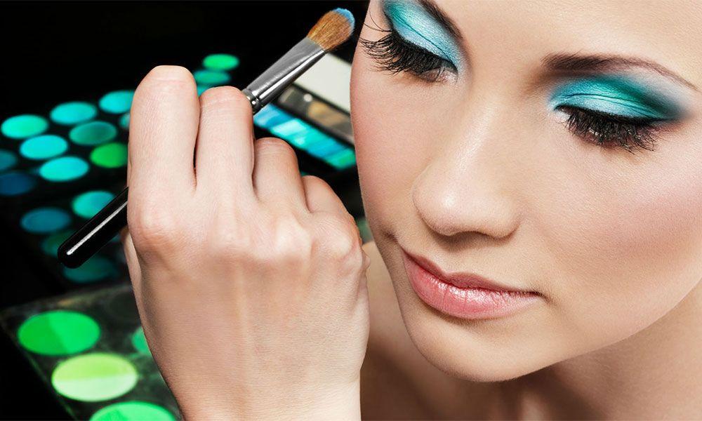 Buenas razones por las que no debes compartir tu maquillaje