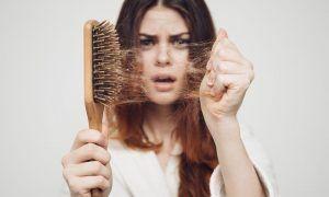 Frena la caída del cabello con estos tres sencillos pasos