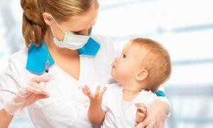 Guía de vacunación de niños en España hasta los 18 años