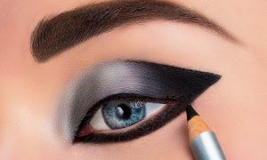 Trucos para combinar el eyeliner y la máscara de pestañas