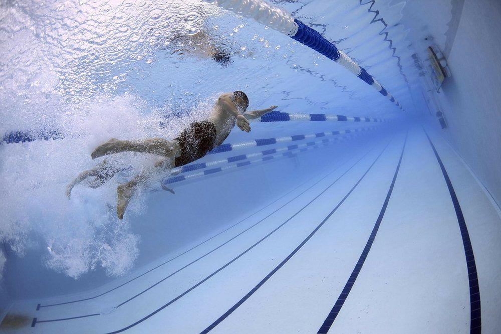 Ejercicio de natación de alta intensidad
