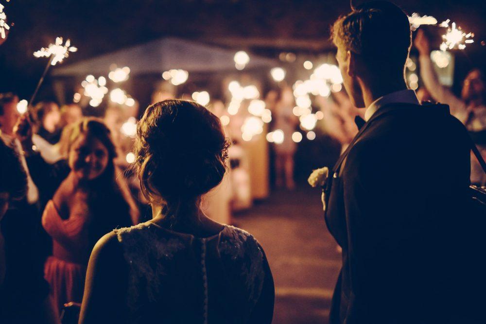 La entrada al salón, un momento clave para la banda sonora en tu boda