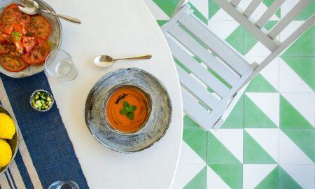 Recetas de gazpacho y salmorejo refrescantes para el verano