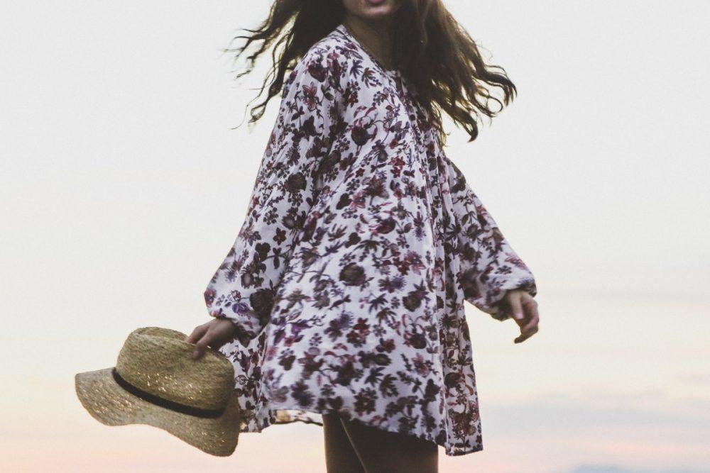 Vestido camisero fresco, un look ideal para vestir bien en verano