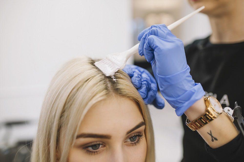 Para teñir el cabello es mejor usar tintes naturales o vegetales