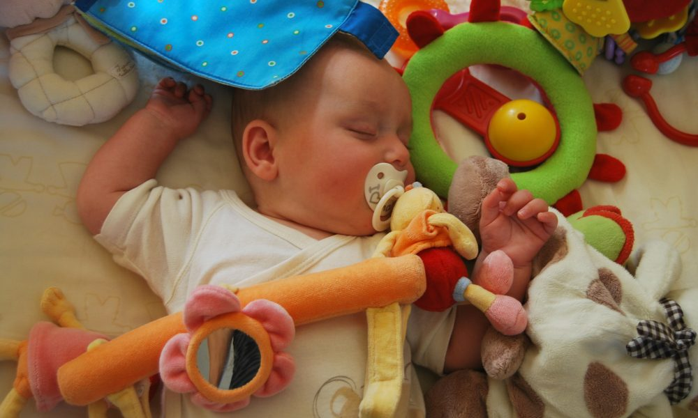Chupete sí, chupete no: ¿Qué es mejor para el bebé?