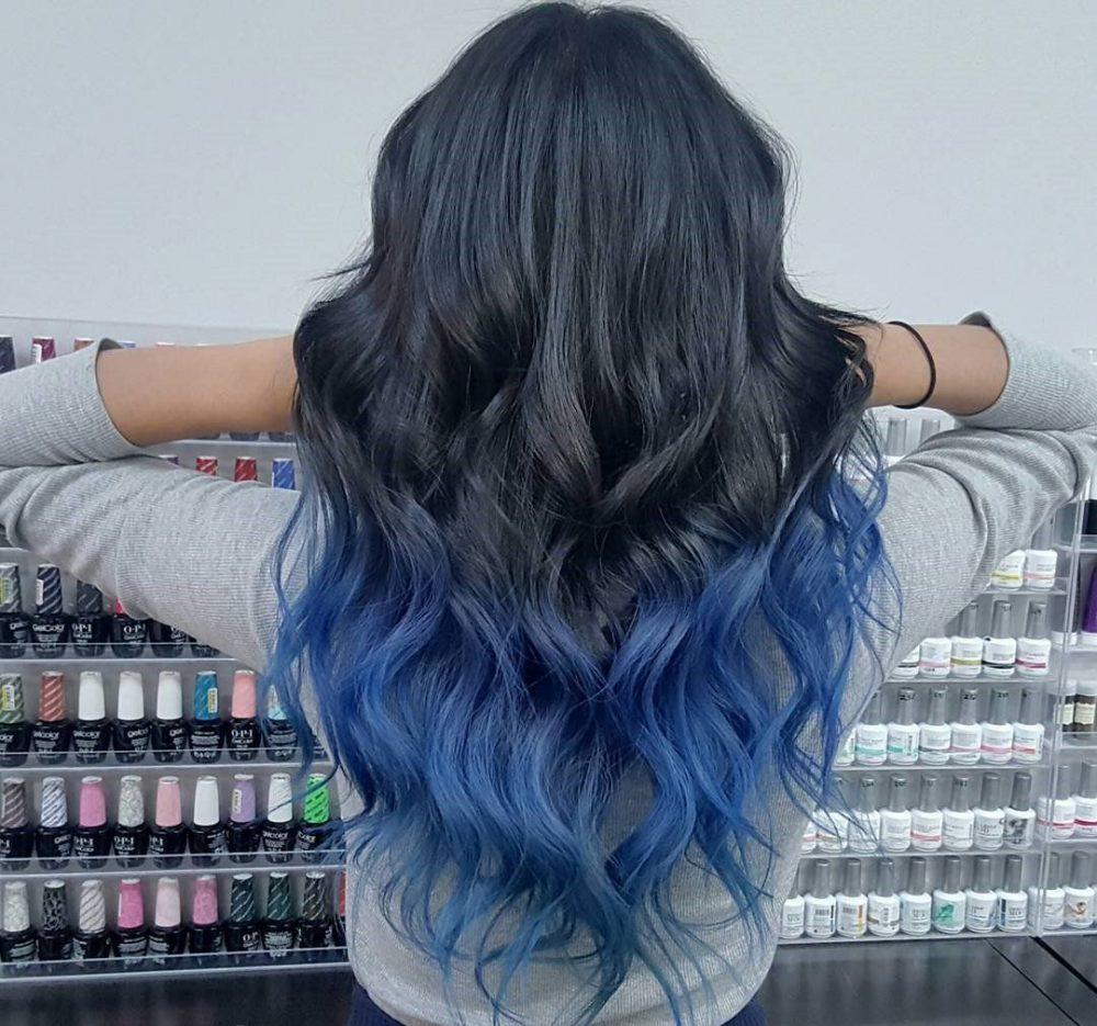 Decoloración cabello tono azul