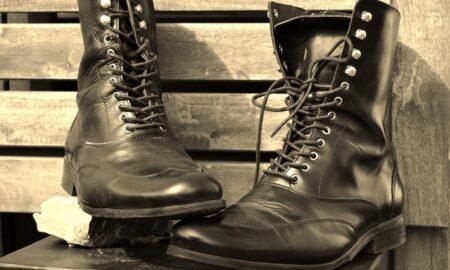 Cómo combinar tus botas militares