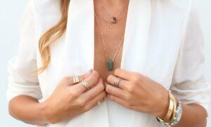 Trucos para combinar las joyas con la ropa de forma sencilla