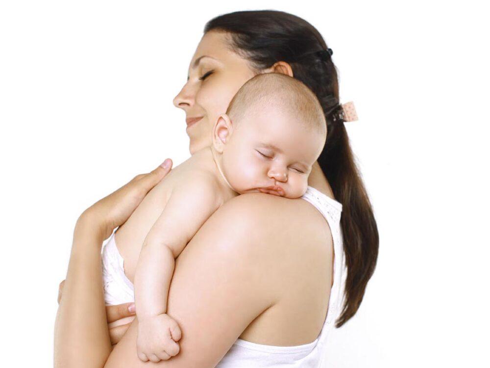 Educación postural para evitar problemas de espalda después del parto