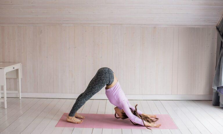 Descubre cómo hacer yoga en casa por primera vez